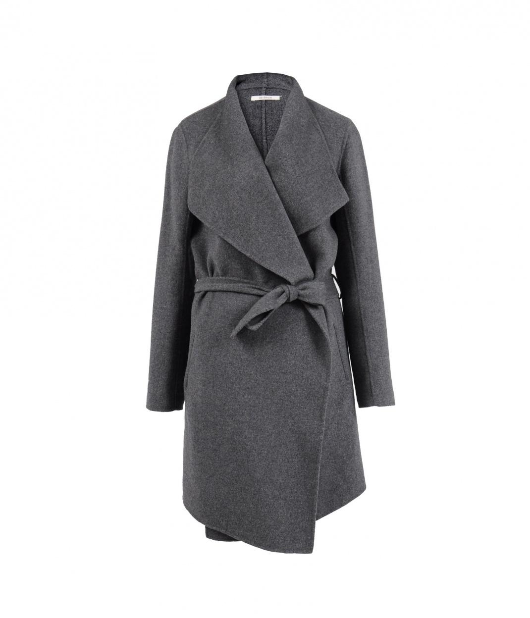 manteau soyez belle m me en plein coeur de l 39 hiver. Black Bedroom Furniture Sets. Home Design Ideas
