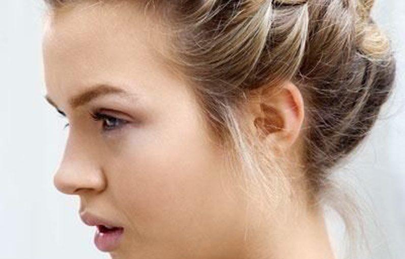 Tresse cheveux : comment réaliser une belle coiffure avec très peu de matériel ?